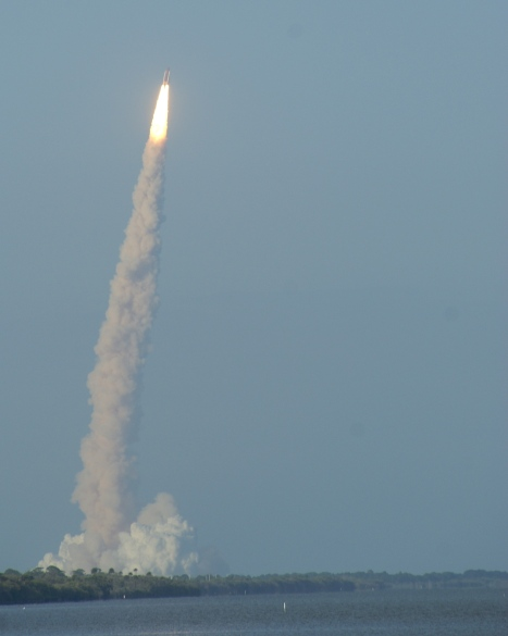 launch of discovery on sts-133